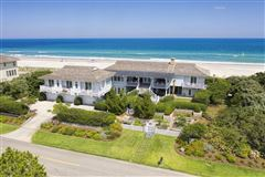 Mansions in double lot oceanfront home