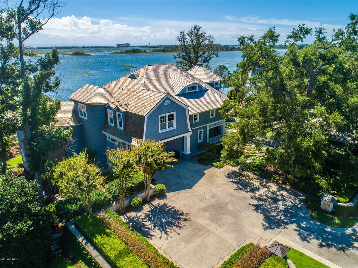 Luxury real estate most spectacular waterfront property