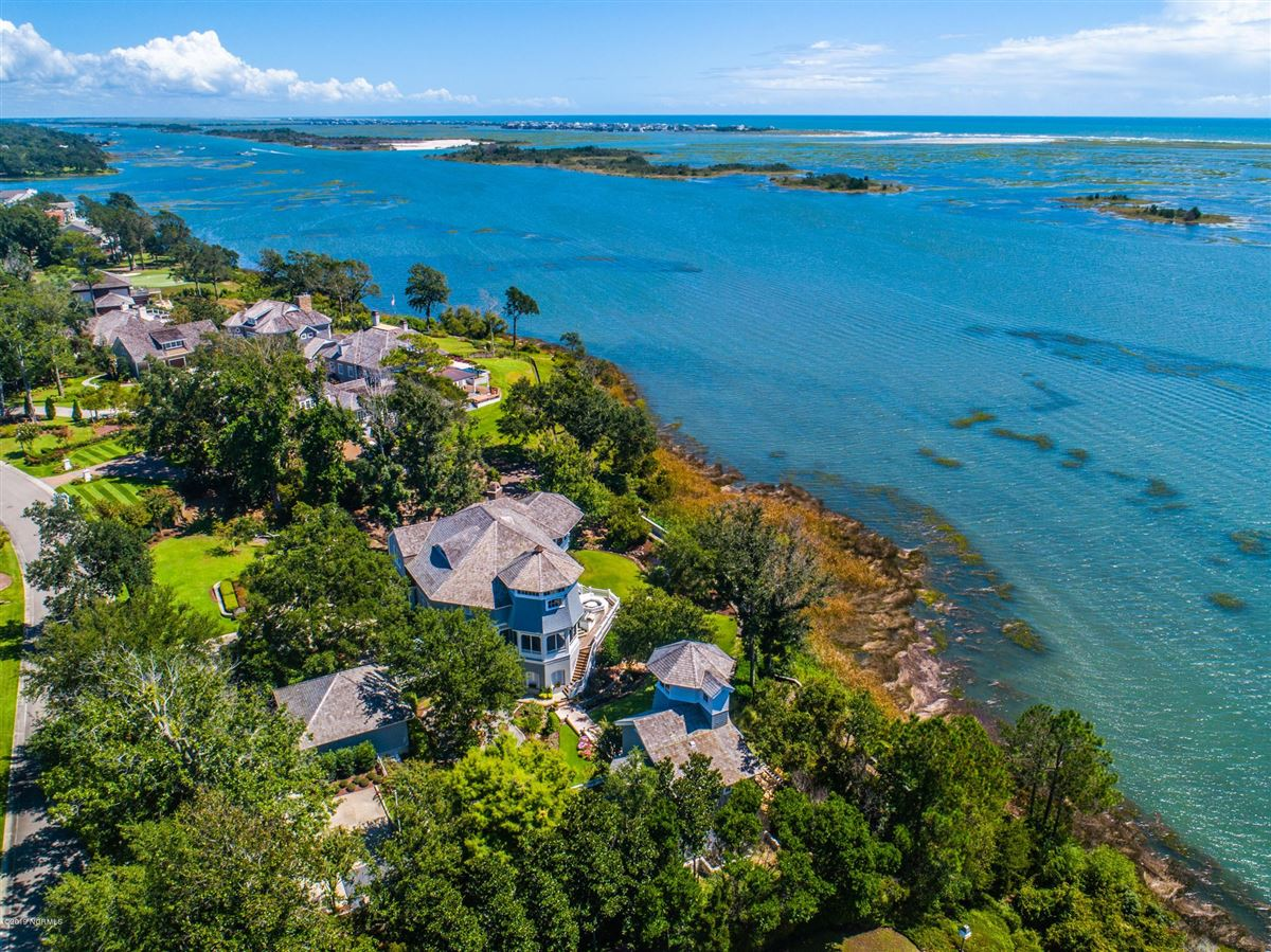most spectacular waterfront property  luxury properties