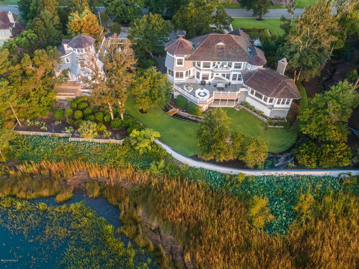 Mansions in most spectacular waterfront property