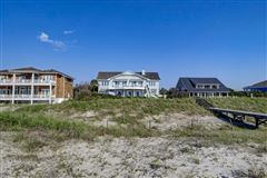 Luxury properties a Stunning ocean front home