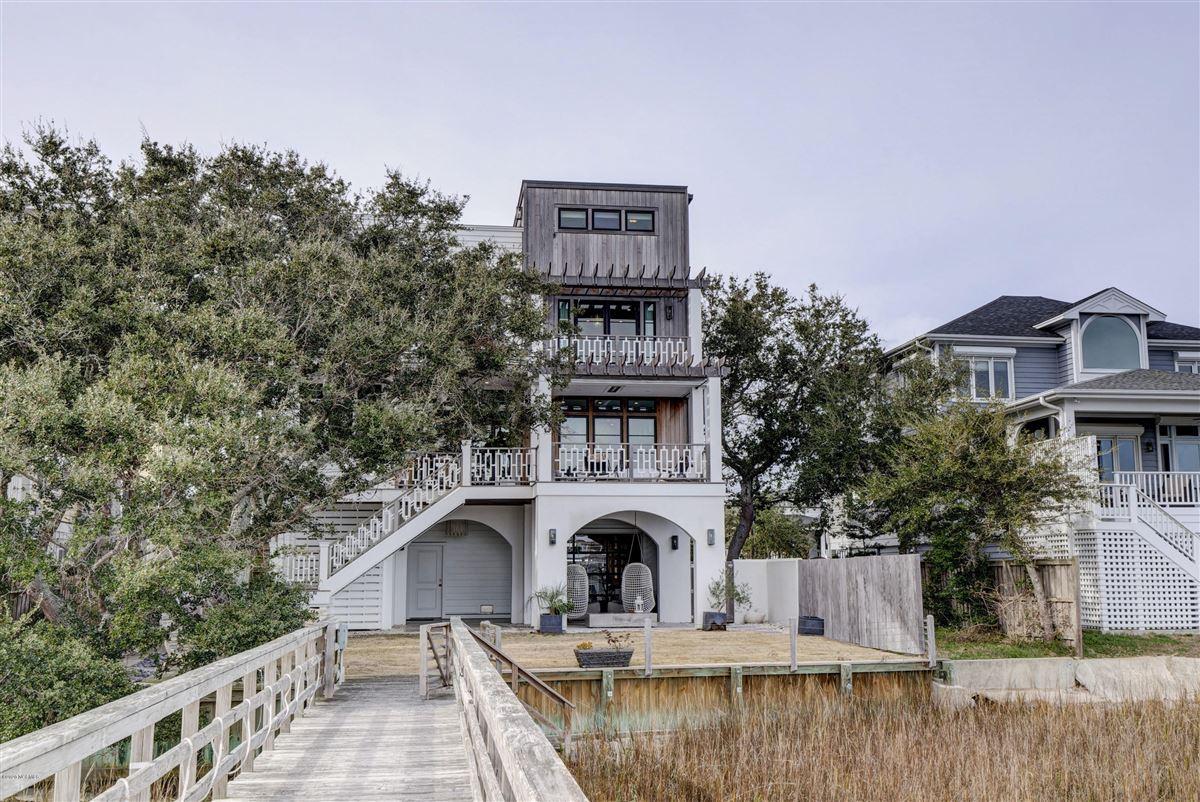 Exceptional luxury waterfront luxury properties