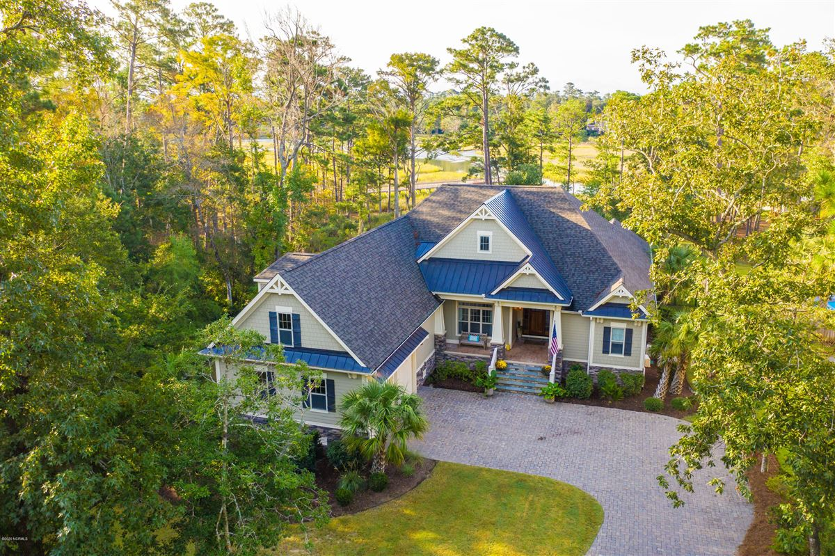 Coastal living with views at its finest luxury homes