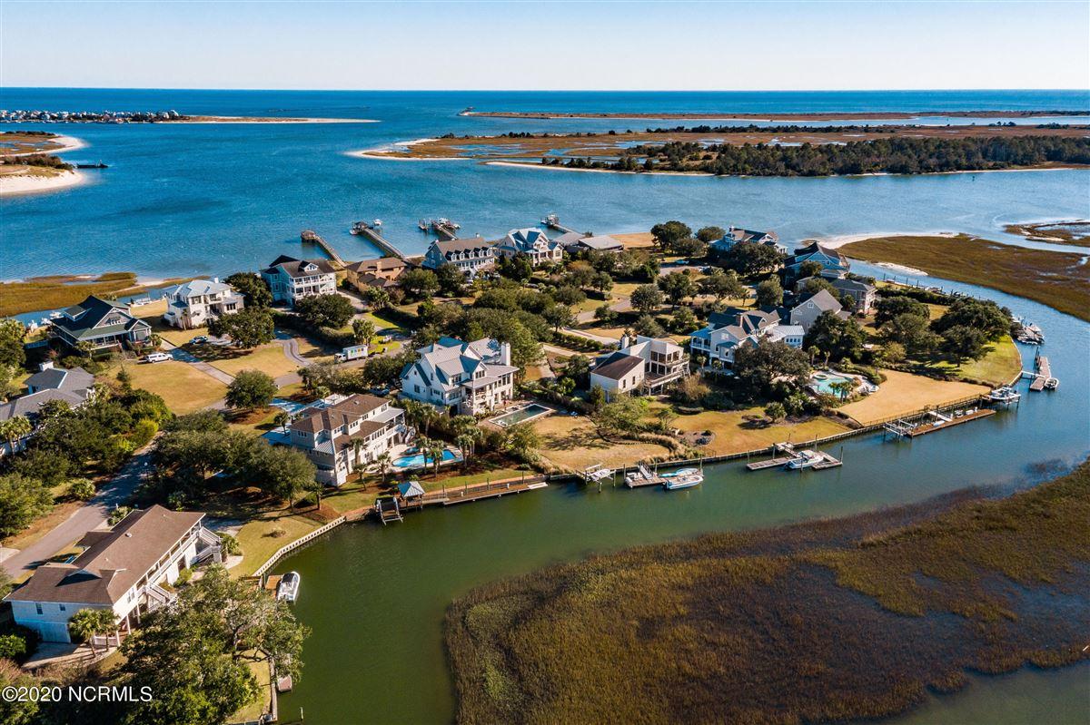 Luxury homes Waterfront estate