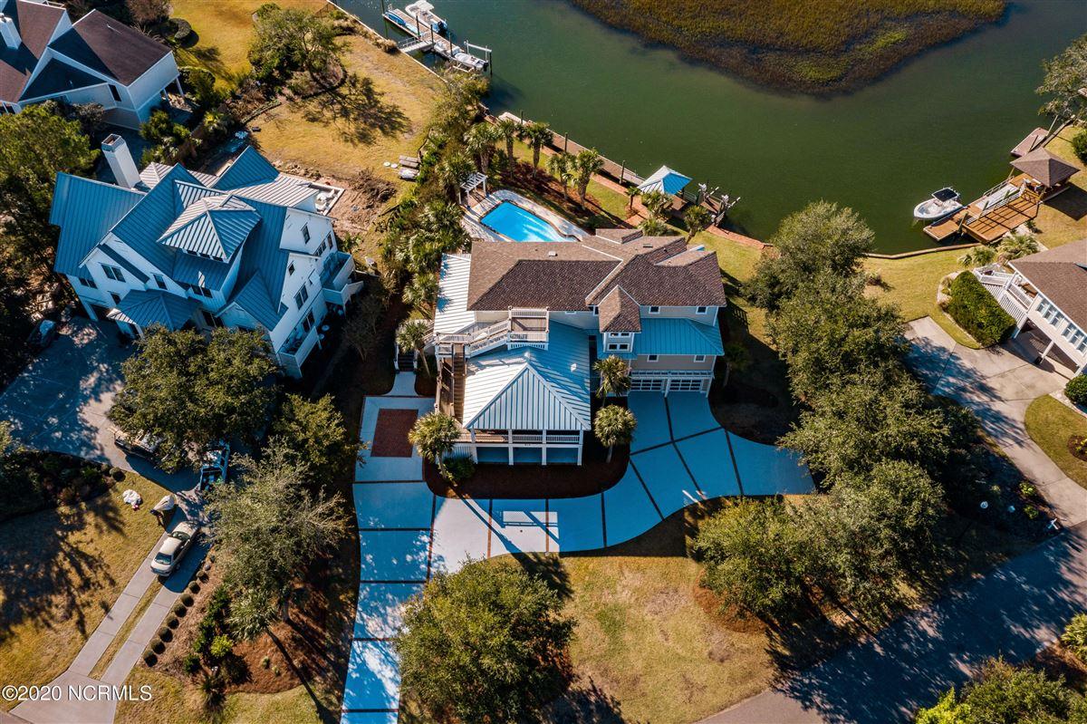 Waterfront estate luxury properties