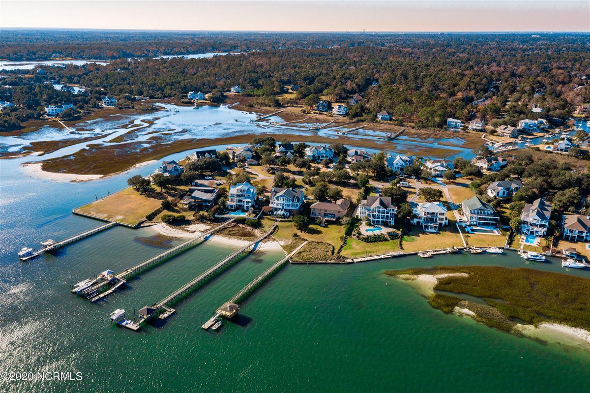 Mansions Waterfront estate