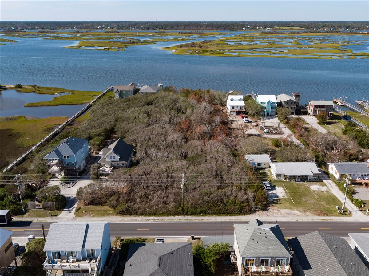 Luxury real estate  Deep-water, sound-front property