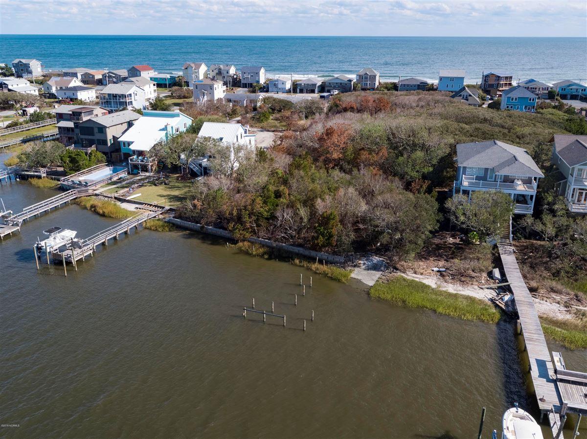 Luxury properties  Deep-water, sound-front property