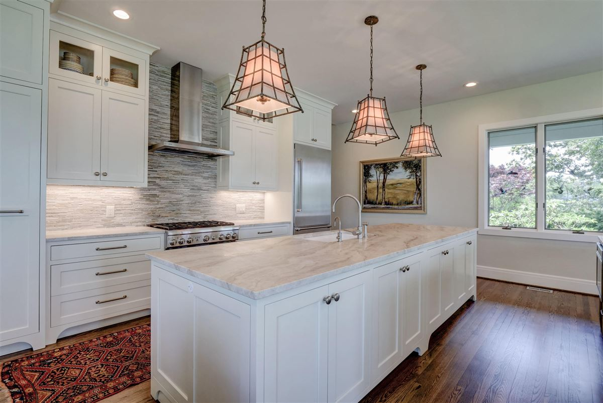 Luxury real estate Gorgeous custom sound home on Hewletts Creek
