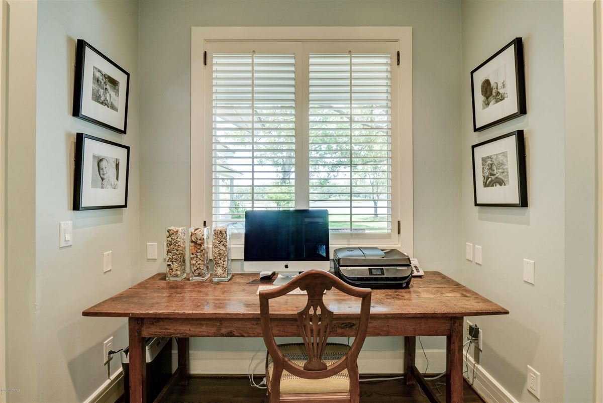 Gorgeous custom sound home on Hewletts Creek luxury properties