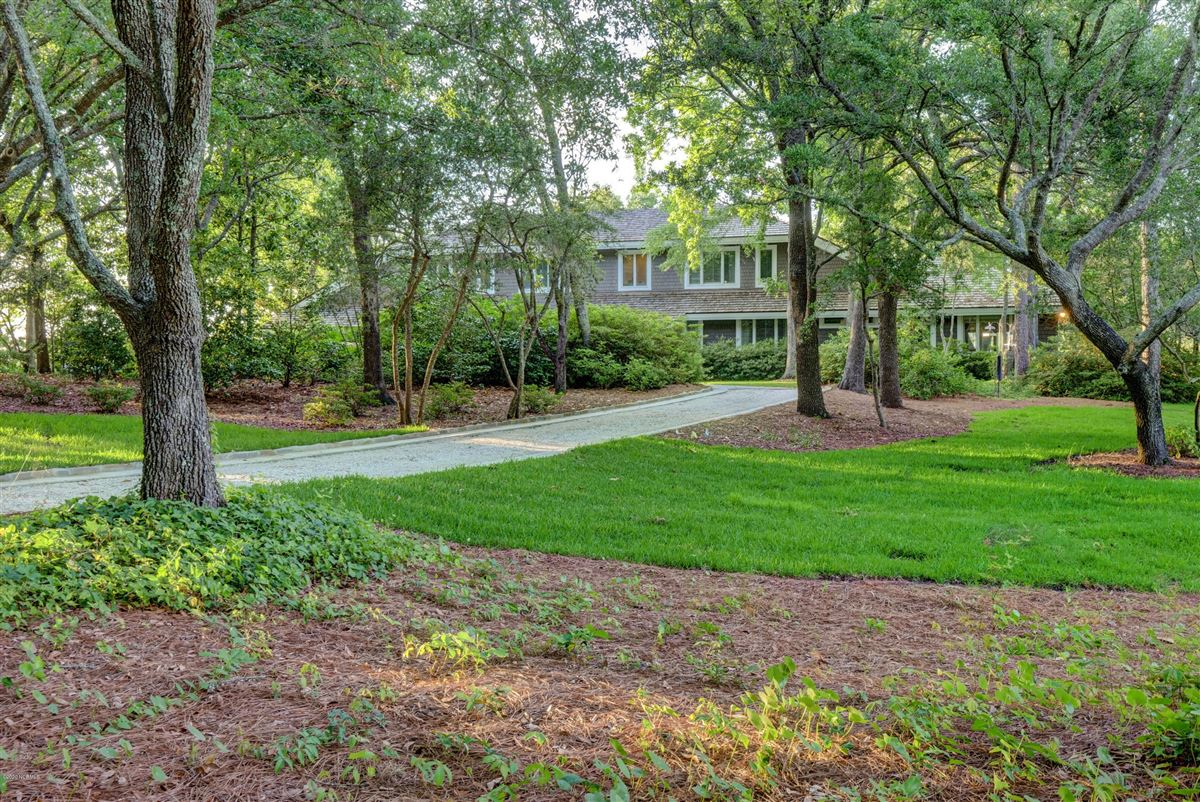 Gorgeous custom sound home on Hewletts Creek mansions