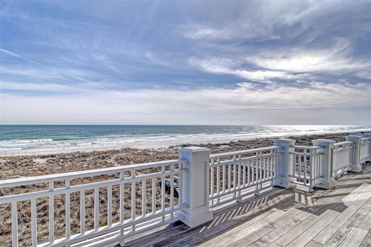 Luxury homes oceanfront home located on the north end of Figure Eight