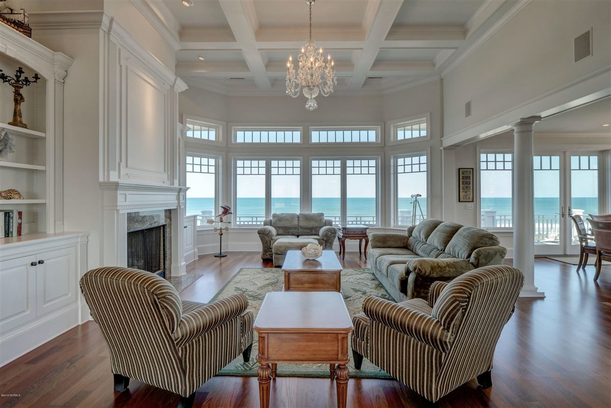 oceanfront home located on the north end of Figure Eight luxury real estate
