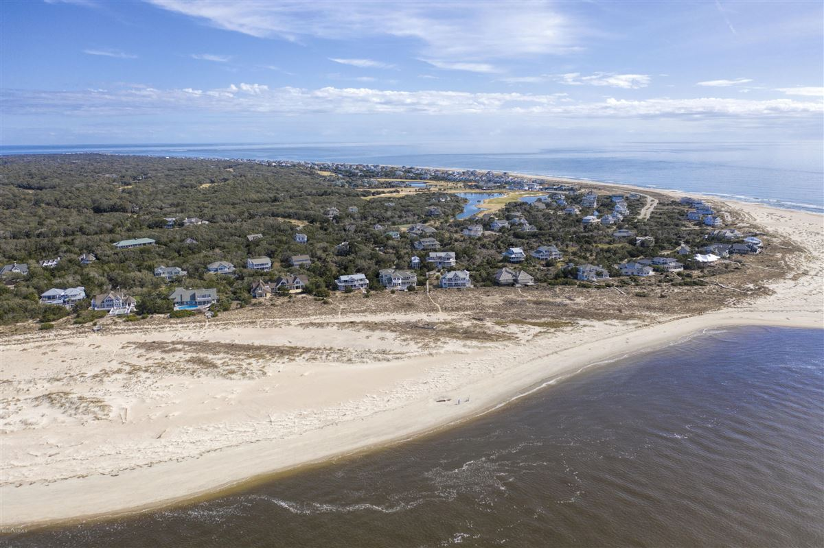 Expansive views of the Cape Fear River  luxury real estate