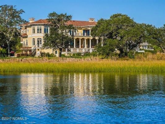 Luxury properties spectacular Mediterranean design Overlooking the Intracoastal