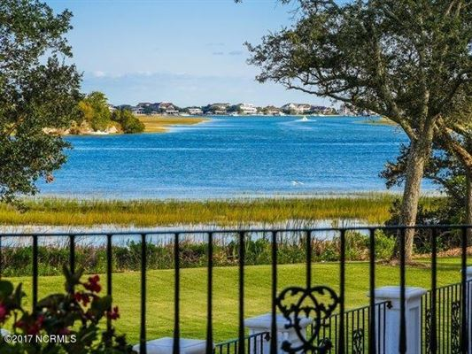 Luxury homes in spectacular Mediterranean design Overlooking the Intracoastal