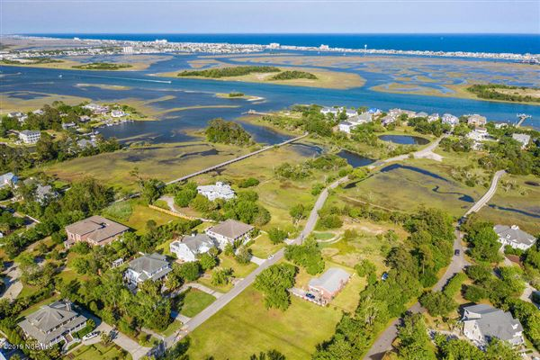 A boaters paradise on desirable Towles Rd luxury properties