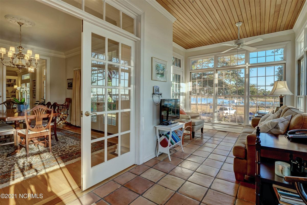 Spectacular Intracoastal Waterway location  mansions