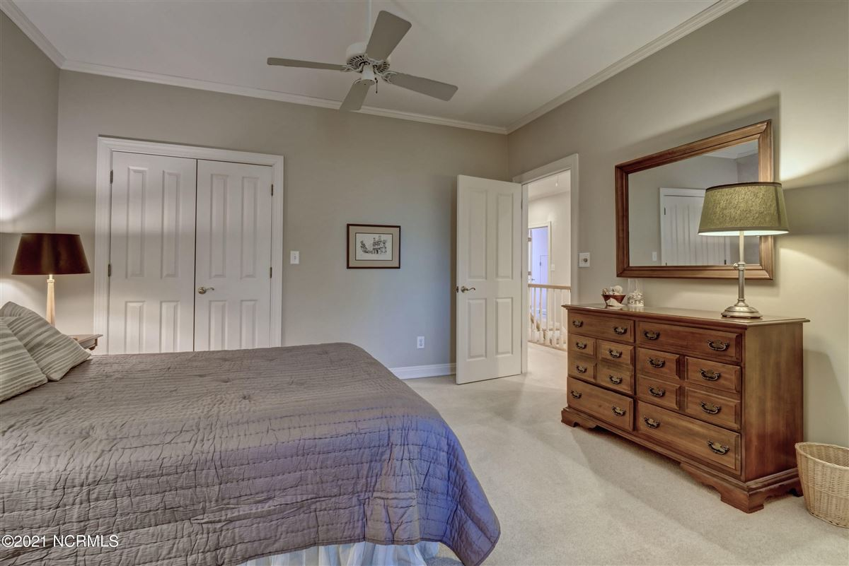 Luxury homes Spectacular Intracoastal Waterway location