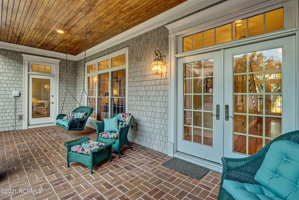 Luxury real estate Spectacular Intracoastal Waterway location