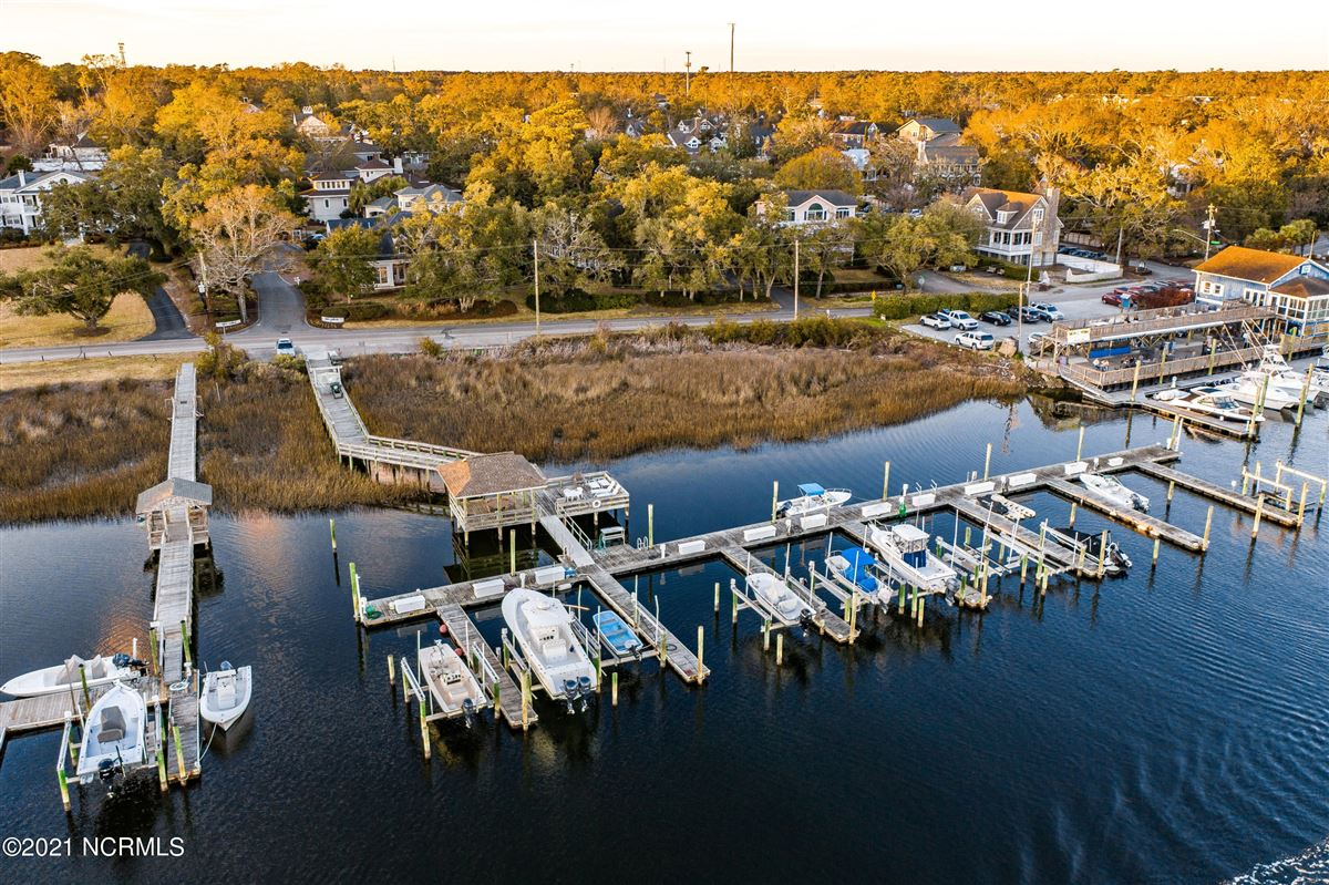 Spectacular Intracoastal Waterway location  luxury homes