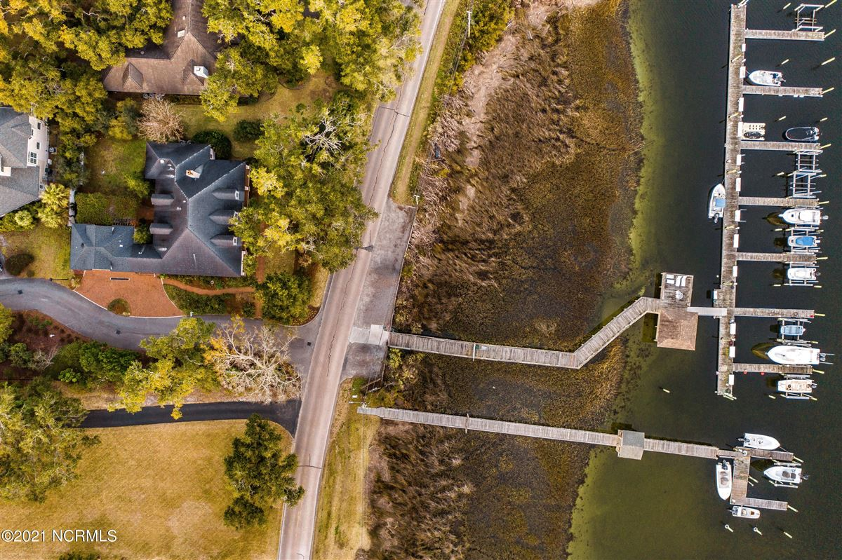 Spectacular Intracoastal Waterway location  luxury properties