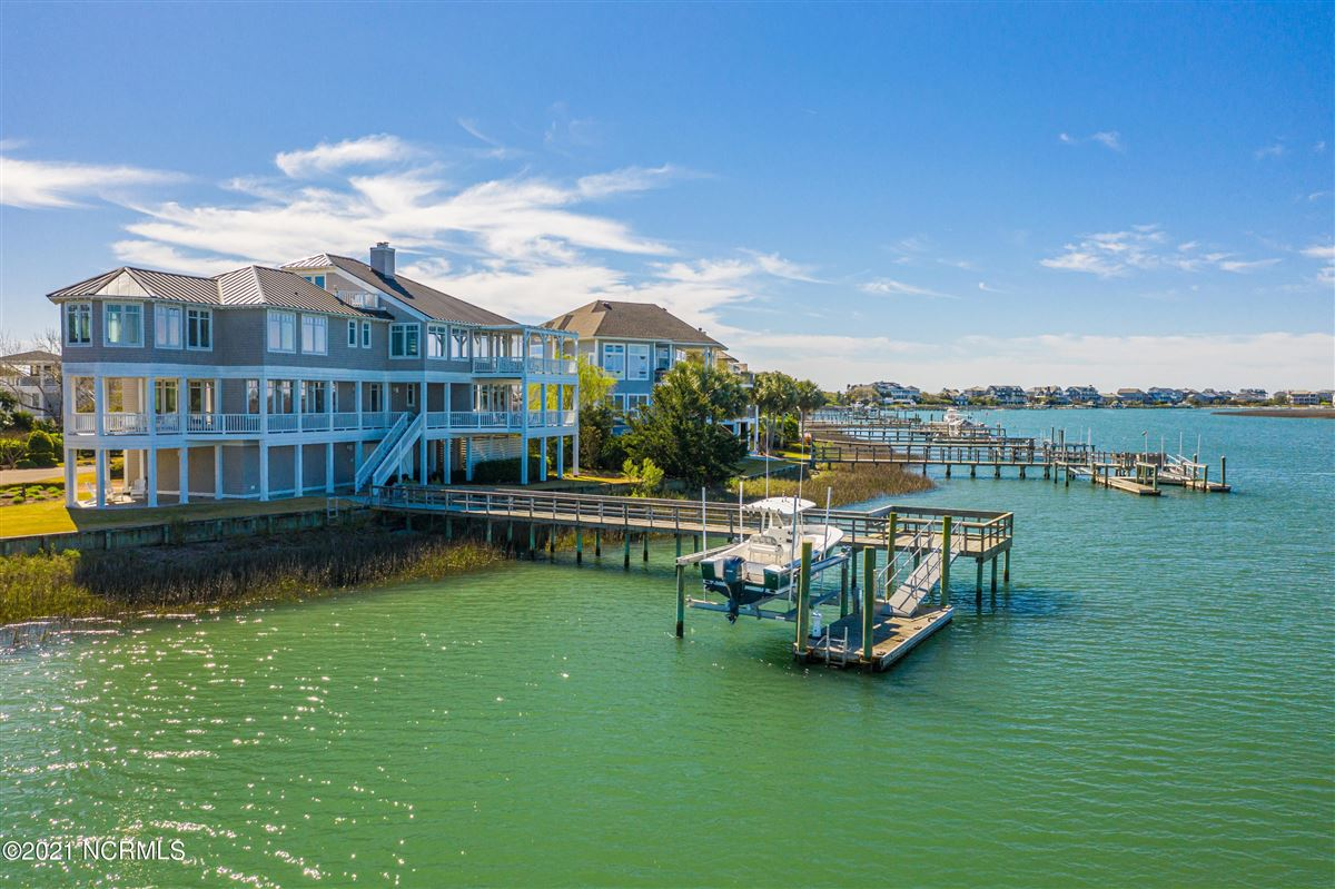 Luxury properties Sought after sound front Figure 8 Island home