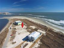 Luxury homes in oceanfront lot