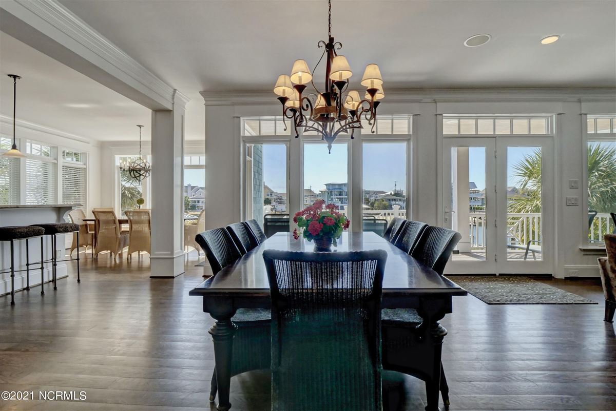 Luxury real estate relaxing waterfront lifestyle