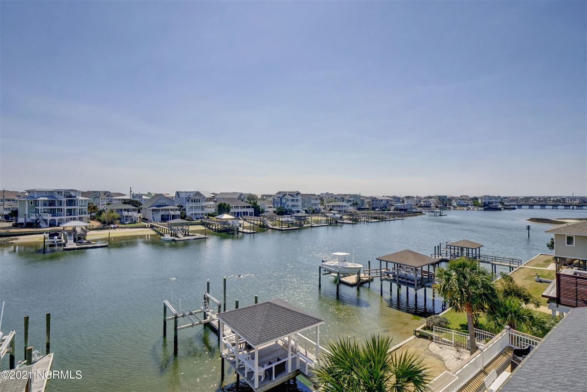 Luxury properties relaxing waterfront lifestyle