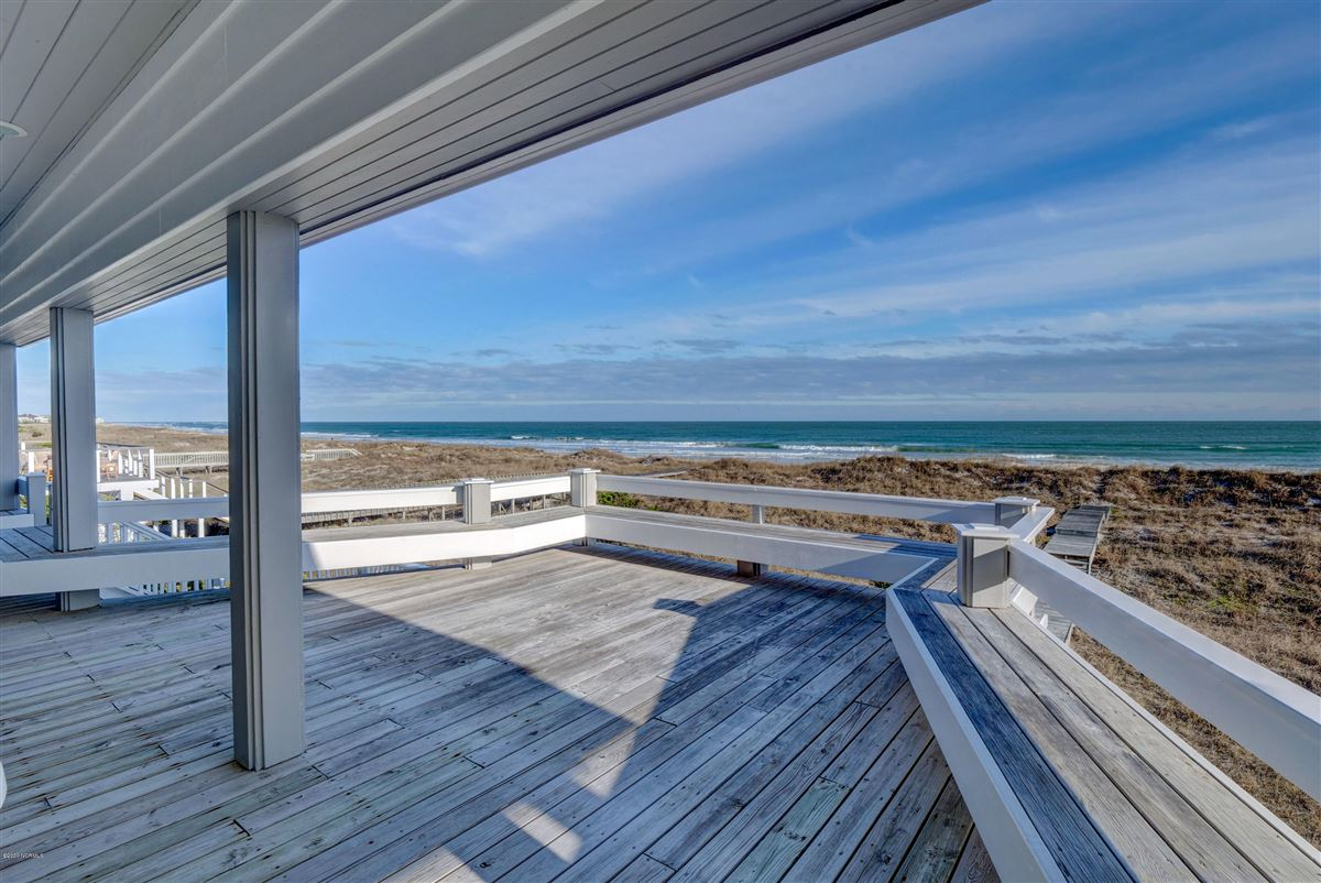 Luxury homes fabulous oceanfront home on Figure 8 Island