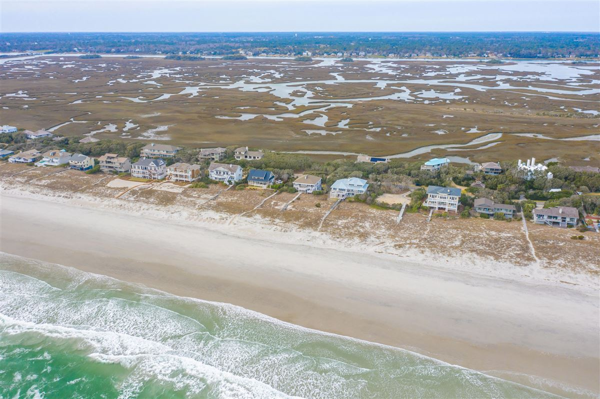 fabulous oceanfront home on Figure 8 Island luxury properties