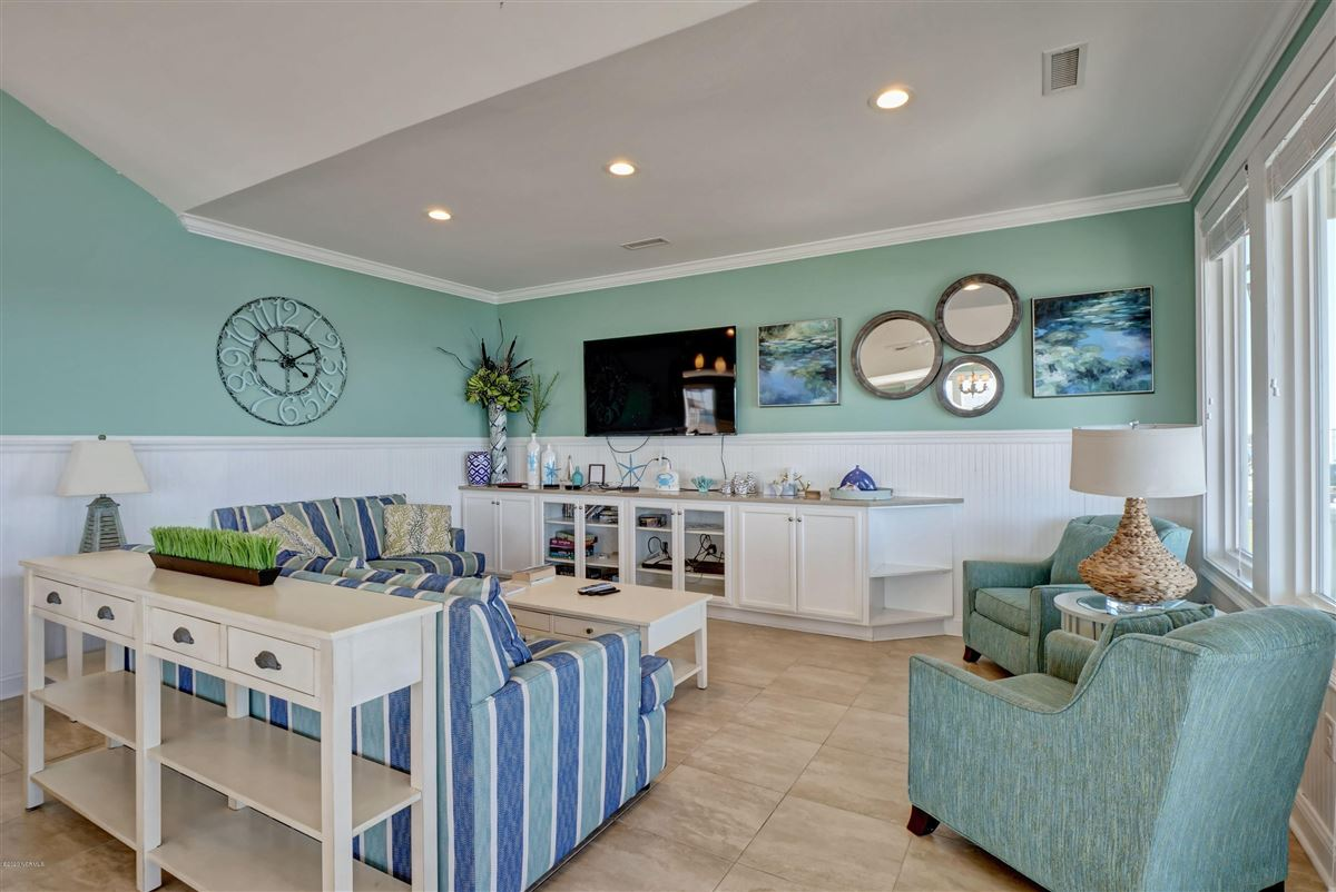 Spectacular oceanfront beach house luxury homes