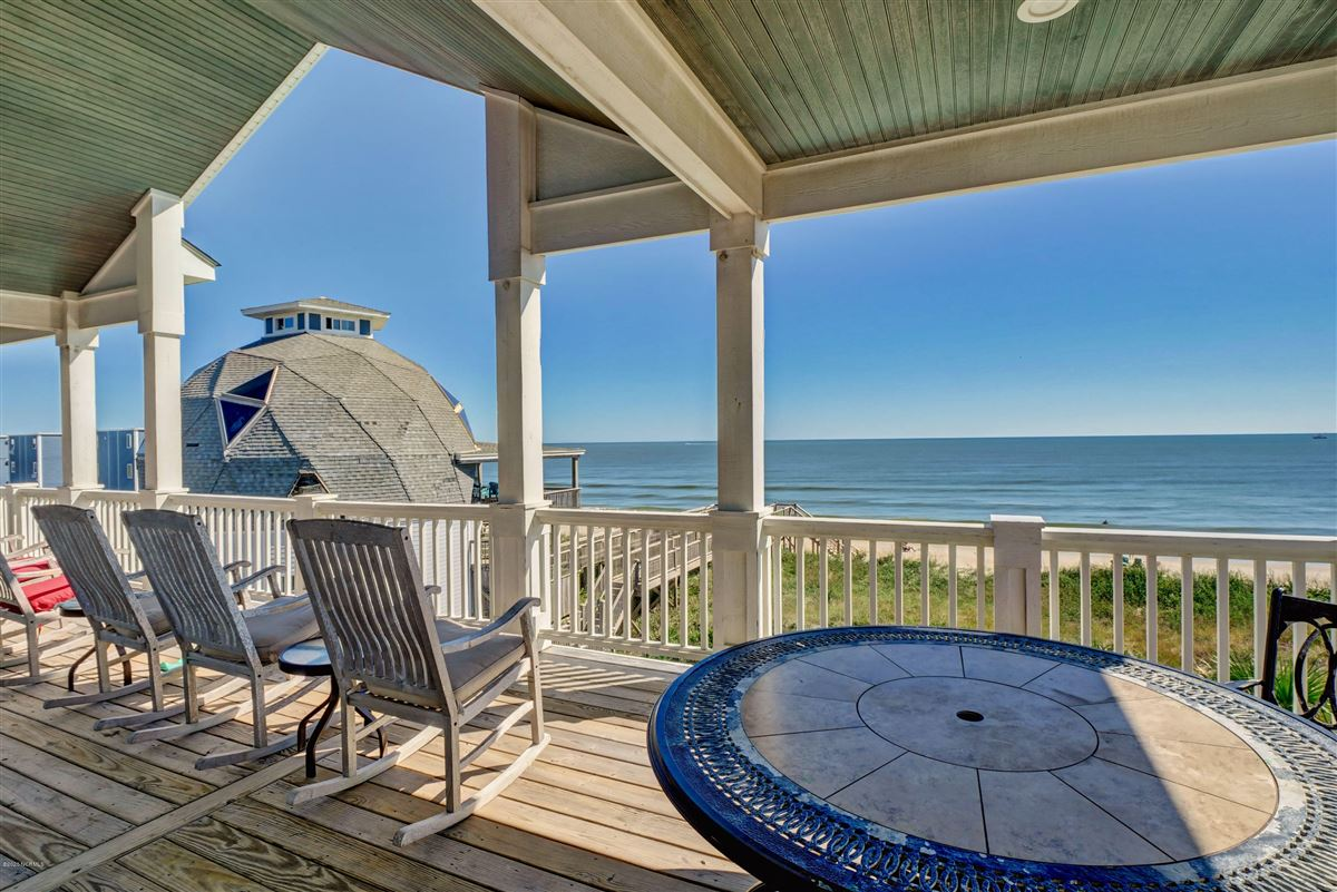 Luxury real estate Spectacular oceanfront beach house
