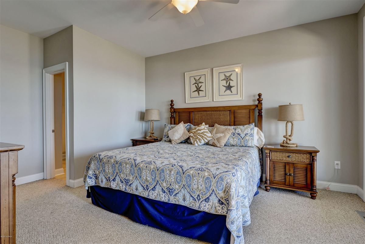 Luxury properties Spectacular oceanfront beach house