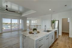 Luxury homes in get the best of what Wrightsville Beach has to offer