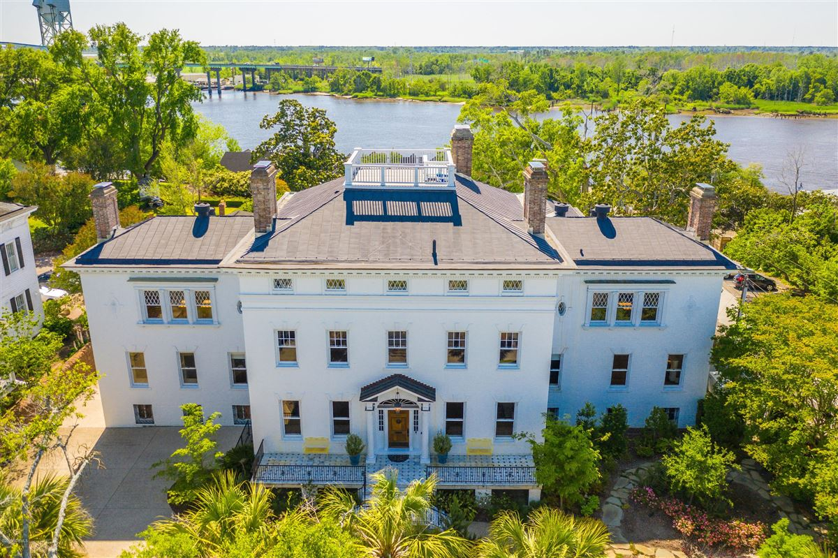 The Dudley Mansion luxury real estate
