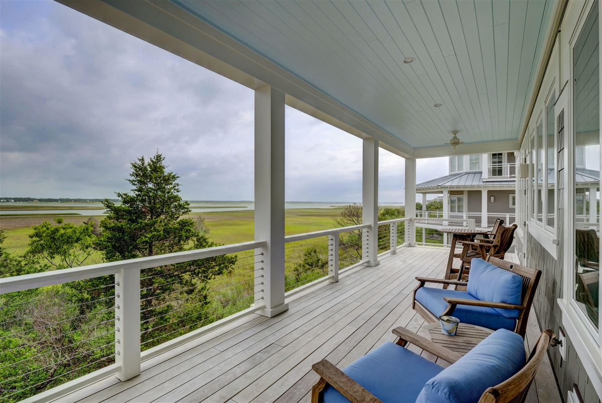 Spectacular marsh-front home on the north end luxury real estate
