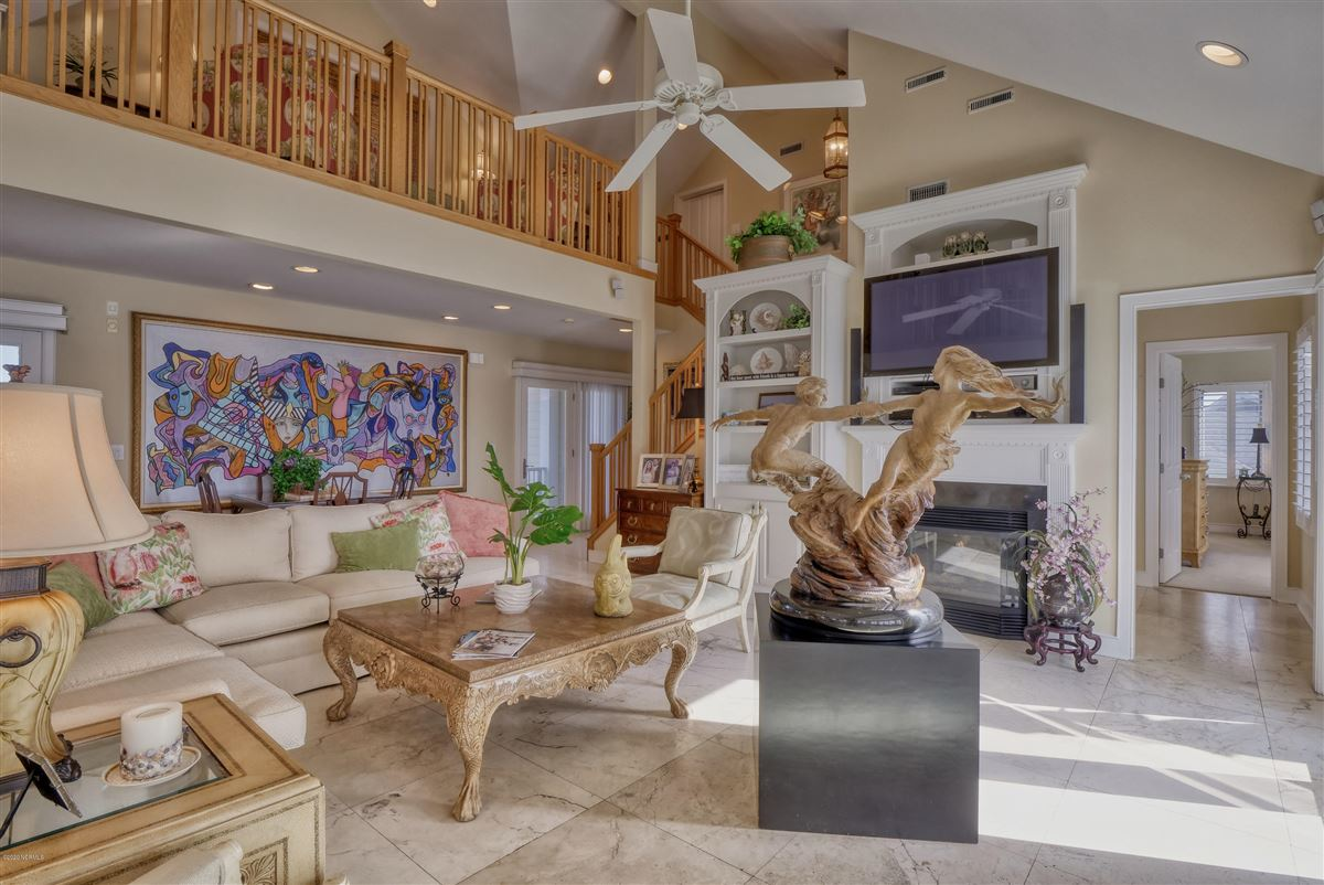 Luxury real estate magnificent six bedroom waterfront home