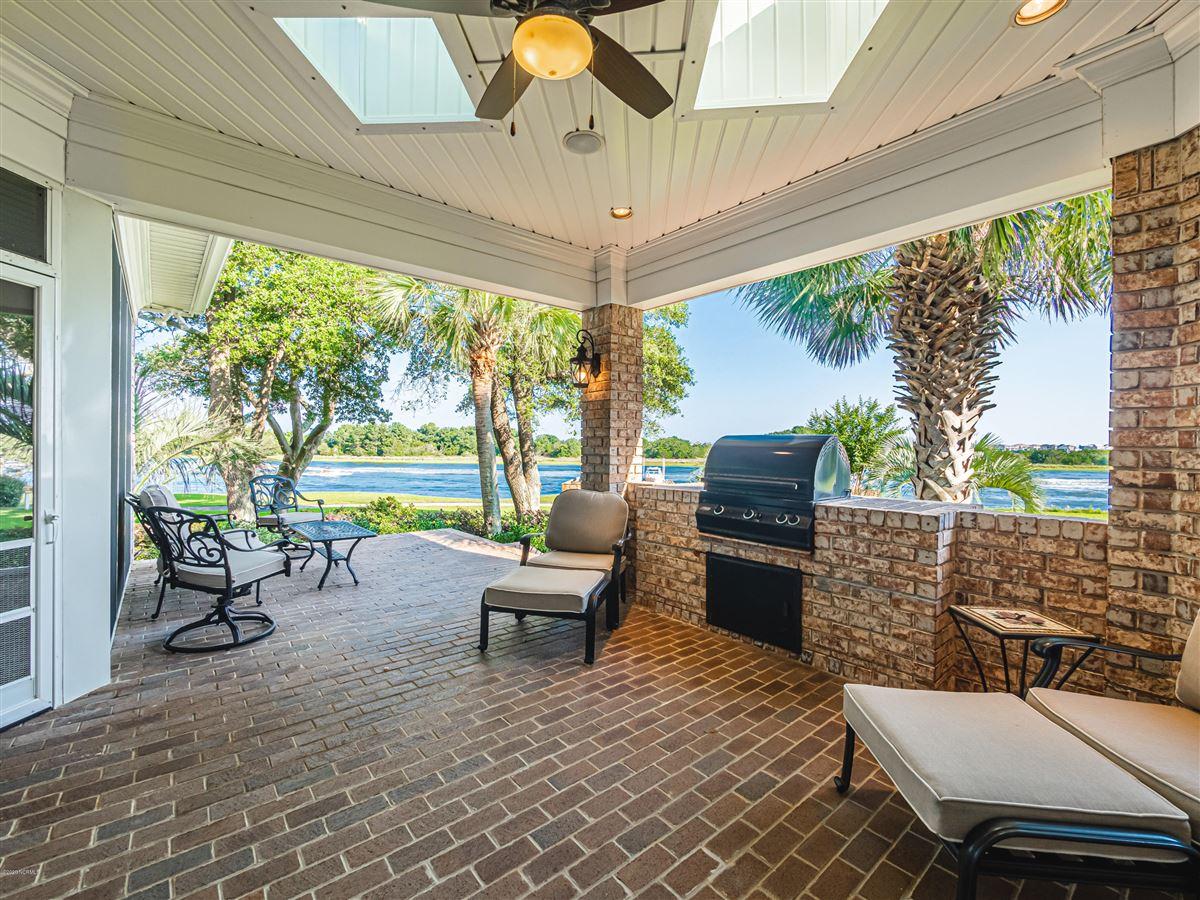 Luxury homes in Incredible Intracoastal Waterway views