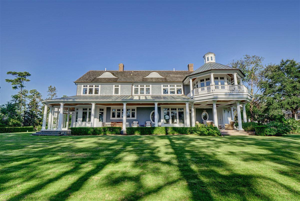 Mansions property in Landfalls estate neighborhood
