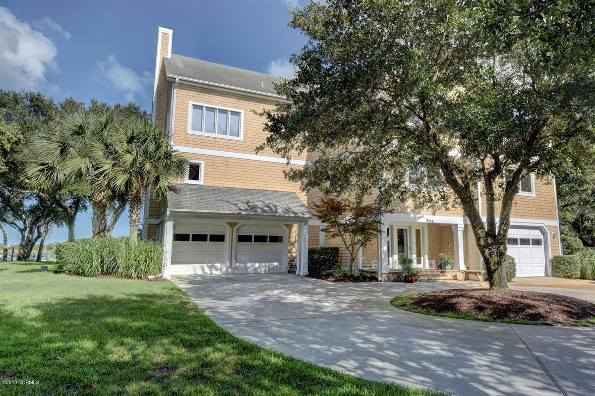 Luxury real estate Gorgeous Intracoastal Waterfront home