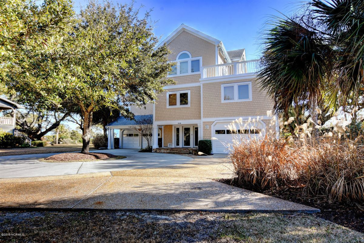 Luxury homes Gorgeous Intracoastal Waterfront home