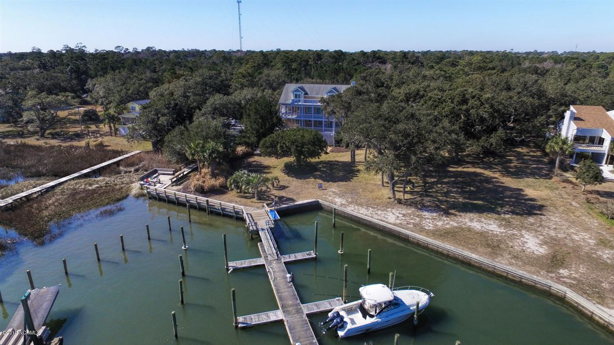 Luxury properties Gorgeous Intracoastal Waterfront home