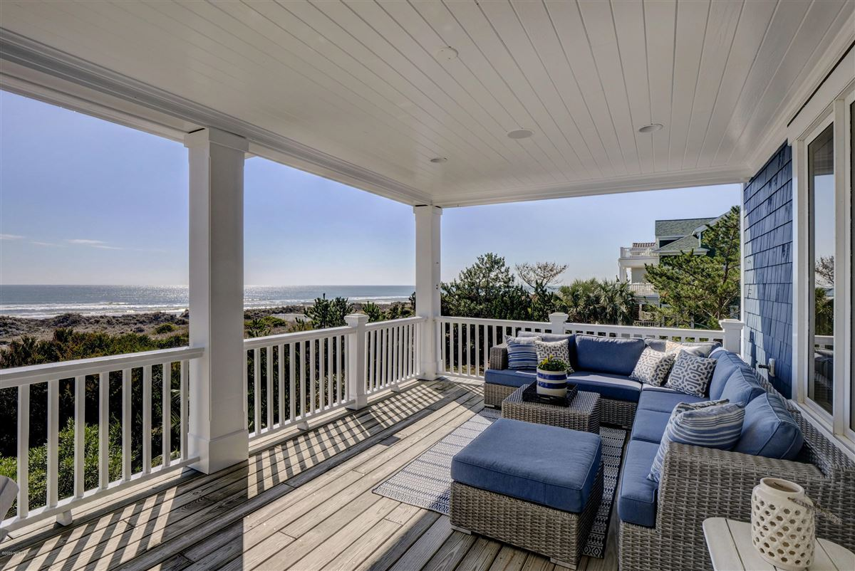 immaculate oceanfront luxury homes