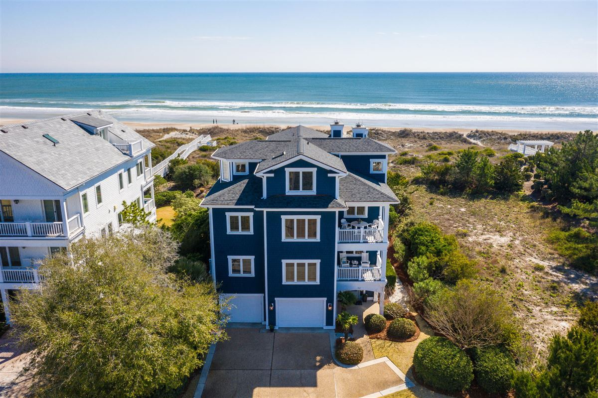 immaculate oceanfront mansions