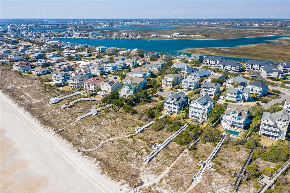 Luxury homes immaculate oceanfront
