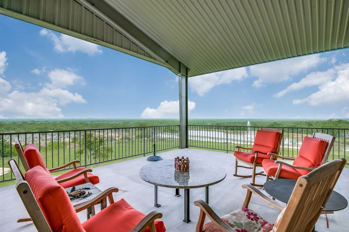 Luxury properties south texas high-fenced paradise