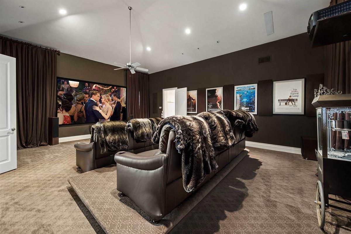 unprecedented beauty and amenities in San Antonio luxury properties