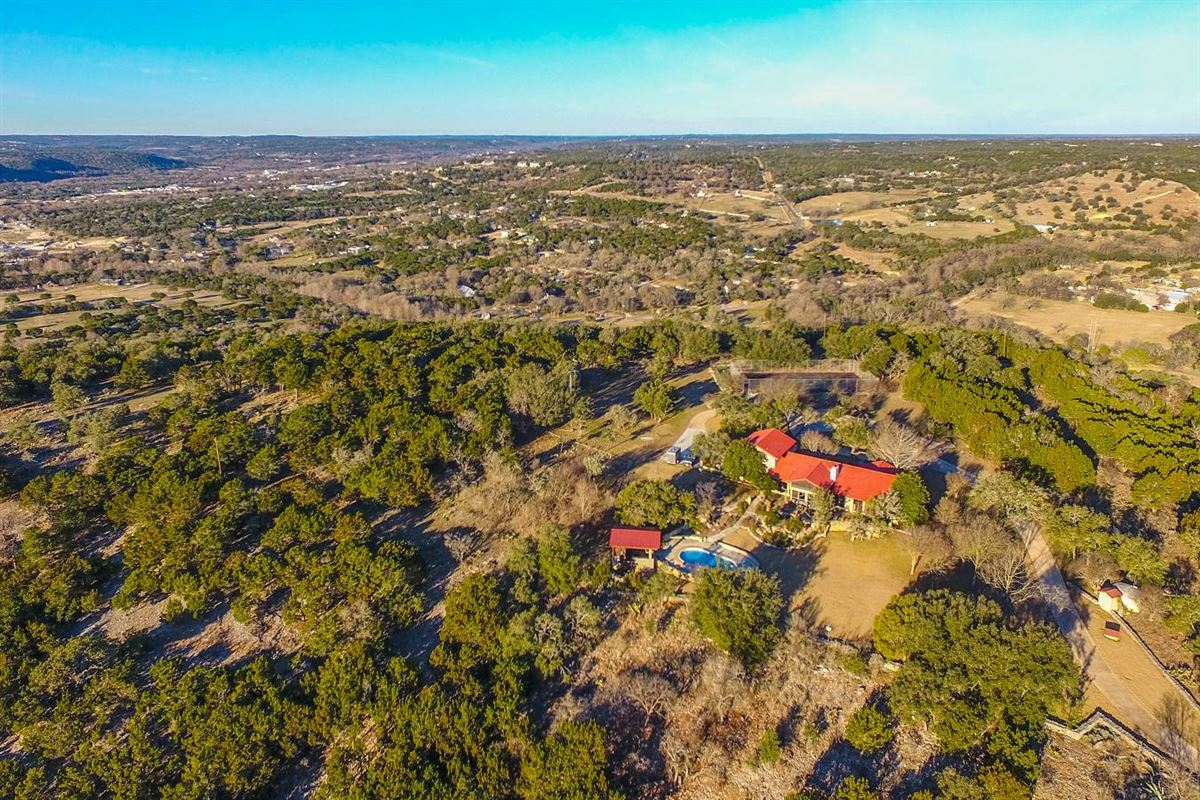 Luxury real estate fantastic hill country living